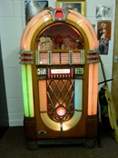 Original 1946 Wurlitzer 1015 bubbler jukebox