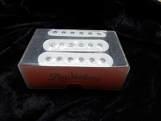 Full set of Radiotone Strat pickups, 60's style, introductory special £29.00