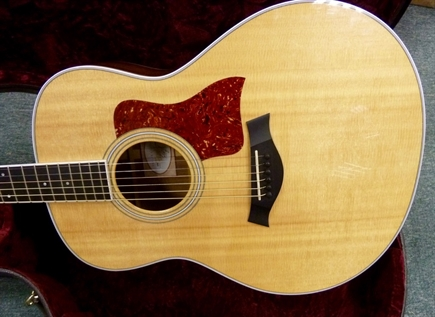 MINT 2011 Taylor 418E grand symphony, solid Ovangkol, electric/acoustic guitar.