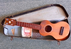 Rare 1930's George La Foley ukelele made for Barnes and Mullins