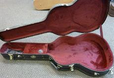 For sale, Silver/bronze antiqe croc skin classical guitar case